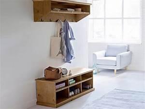 Banc Entrée Bois : meuble banc ultra pratique en pin massif ~ Teatrodelosmanantiales.com Idées de Décoration