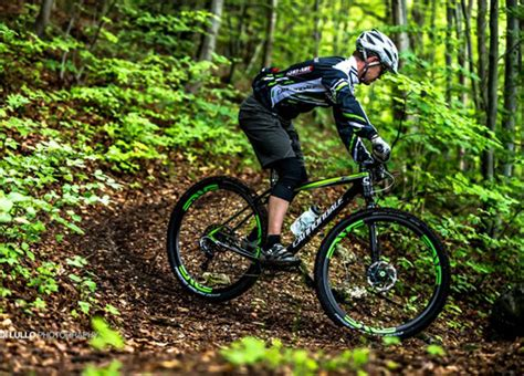 cannondale introduces new f si race hardtail bicycling cannondale introduces new f si race hardtail bicycling