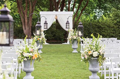 3 lovely garden wedding venues