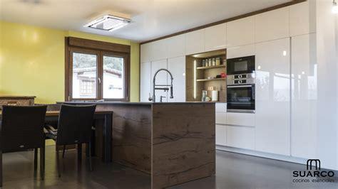 cocina estilo nordico integrada al salon cocinas suarco