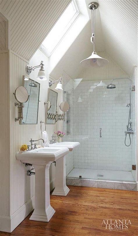 vaulted ceiling bathroom with pendant light. overhead