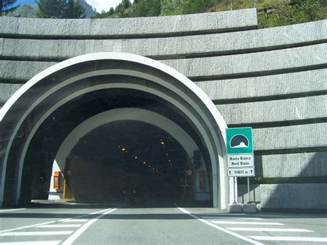 tunnel mont blanc trafic free stock photos rgbstock free stock images mont blanc tunnel enricomaria september