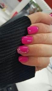 Hot pink round acrylic nails Nails Pinterest