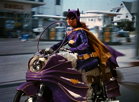 Yvonne Craig Who Played Batgirl In The 1960s Dies At 78