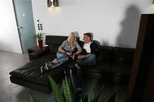 Katja Und Gernot Auf Dem Jorisofa Shiva Wohnzimmer Und