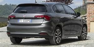 Fiat Tipo 2018 : fiat tipo hatchback interior fiat tipo hatchback 2017 2018 interior view ~ Medecine-chirurgie-esthetiques.com Avis de Voitures