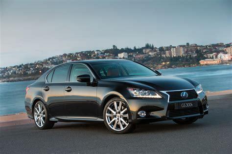 lexus cars news gs  boost  equipment   gs