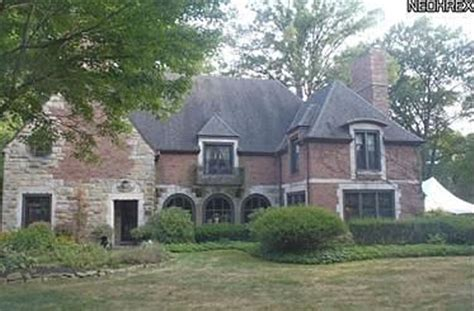 For Rent Youngstown Ohio by 89 Newport Dr Youngstown Oh 44512 212 054 Tudor Style
