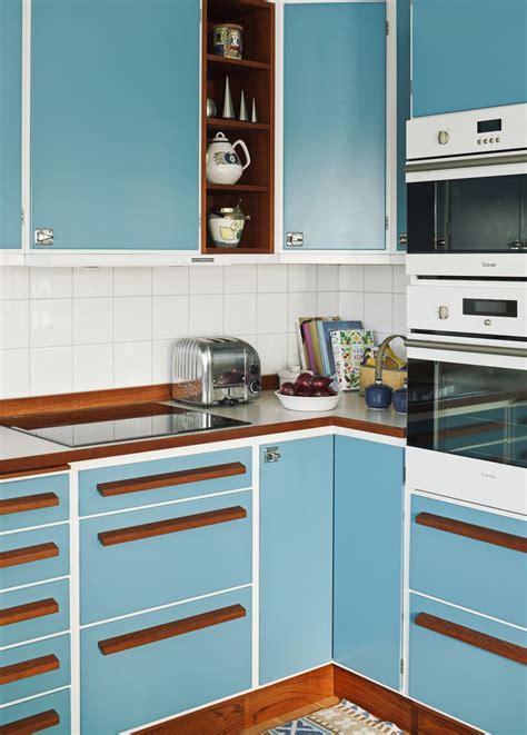 retro style kitchen cabinets k 246 k att 228 lska retrok 246 k k 246 k teak och bl 229 4834