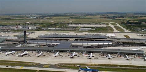 bureau de change aeroport charles de gaulle aéroport cdg un nouveau terminal à roissy prévu d 39 ici