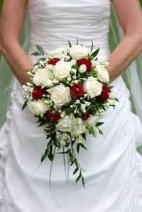 fleurs de mariage bouquet de mariee feuilles mariee artificiel fleur mariage bouquets de mariee en fleurs