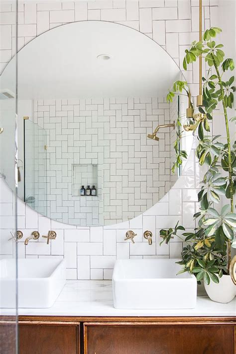 Adding wall decor to your bathroom can be as simple as picking up a print you love and displaying it loud and proud in your space. 1001 + Ideas for Amazing Bathroom Wall Decor Ideas for Every Taste