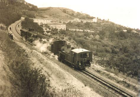treno cremagliera datei treno in transito sulla ferrovia saline volterra jpg