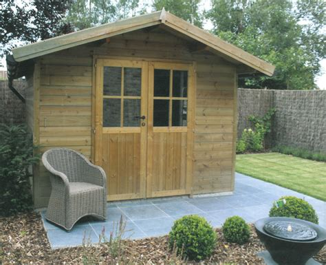 amenager un abri de jardin abris de jardin garages ateliers clotures chalets tout pour votre jardin avec les