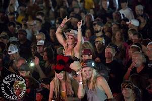 biker-rally-pics-buffalo-chip-party-people-239