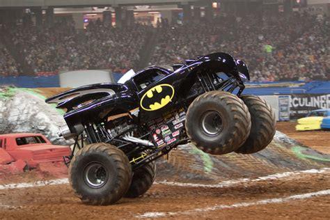 monster jam batman image batman2010 jpg monster trucks wiki fandom