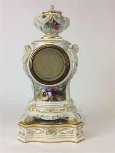 Kpm Porzellan Antik : kpm berlin porzellan uhr weichmalerei reliefgold sowie ~ Michelbontemps.com Haus und Dekorationen