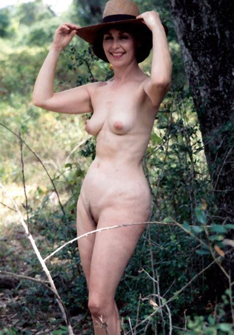 Mature Us Wife Posing Nude 2498637798 8bbeecb88b O