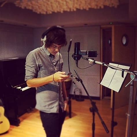 directions harry styles catches    phone