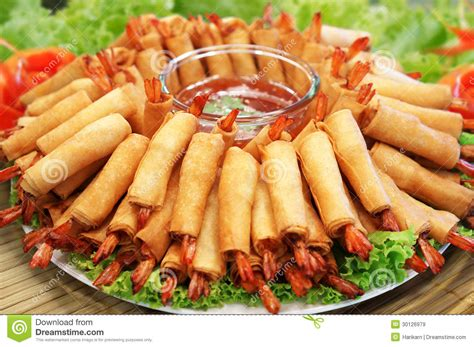cuisine traditionnelle chinoise crispy traditional rolls food royalty free