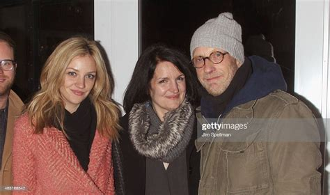 Actress Abby Elliott, Paula Niedert Elliott and actor ...