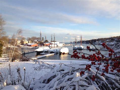 beauty  winter   maine coast camden