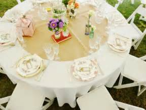 centre de table mariage fleurs décoration de table mariage en 28 idées pour la table ronde