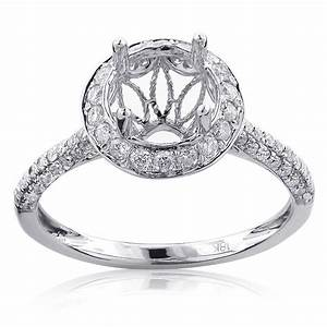 Diamond halo engagement ring mounting 081ct 18k gold for Wedding ring mounts