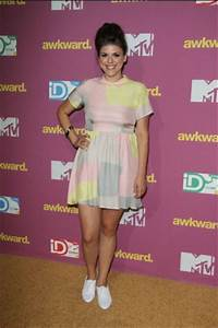19 best Molly Tarlov Style images on Pinterest | Awkward ...