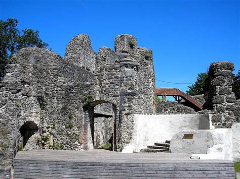 alt trauchburg castle wikipedia