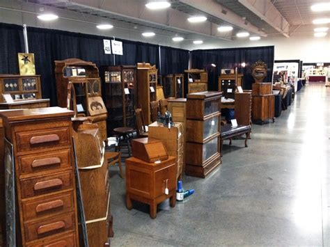 setting up at the kansas city antiques expo july 2014