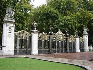 Parks In London : file canada gate green park london wikimedia commons ~ Yasmunasinghe.com Haus und Dekorationen
