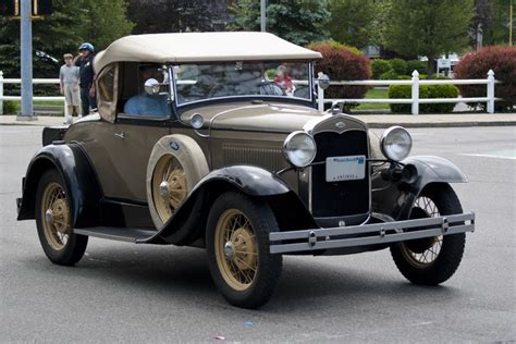 Free Stock Photo 4174-antique Car 11