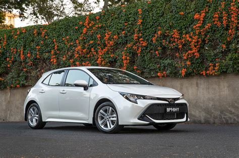 toyota corolla  review carsguide