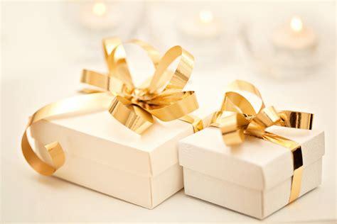 Wedding Gift Gone Awry Prompts Crazy Etiquette War Between