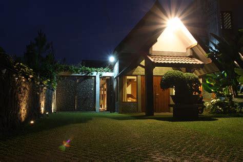 desain rumah etnik modern  indonesia banget rooangcom