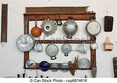 vieux ustensiles de cuisine images de ustensiles cuisine vieux ensemble de vieux