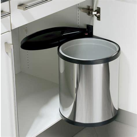 poubelle de cuisine verte poubelle pour cuisine intégrée table de cuisine