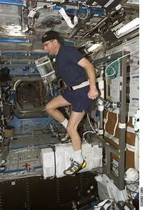 Space in Images - 2005 - 10 - Using the exercise bike to ...