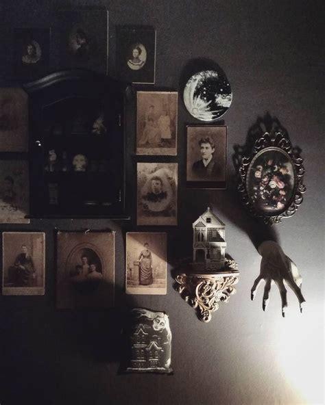 Halloween Coffin Prop by 17 Best Ideas About Spooky Decor On Pinterest Spooky