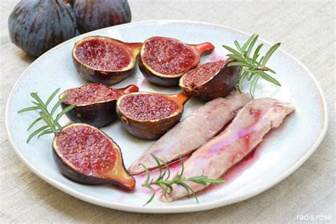 cuisiner des figues aiguillettes de canard et figues rôties au miel et romarin