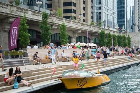 Chicago River Boat Parking by Chicago Riverwalk Dining Guide Every Bar And Restaurant