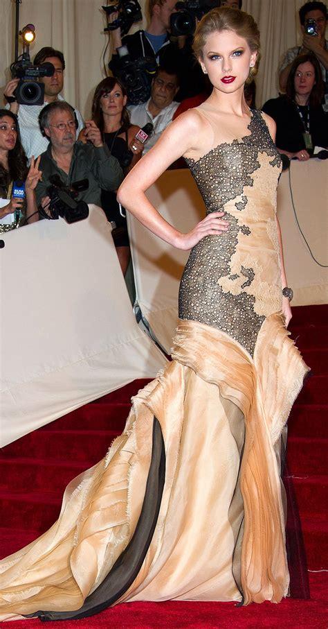 Taylor Swift's Met Gala Style Evolution | Gala fashion ...