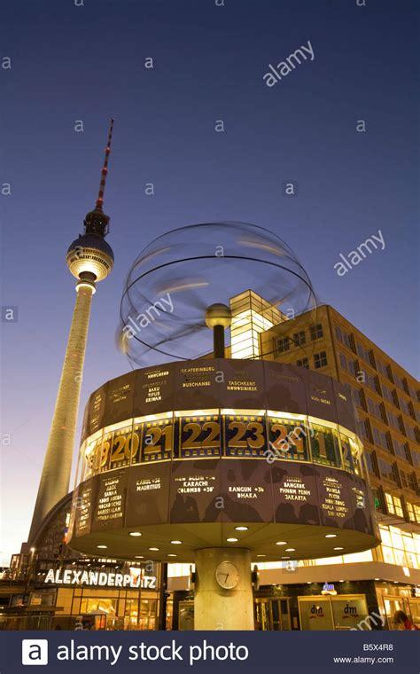 alexanderplatz world clock tv tower  night  berlin