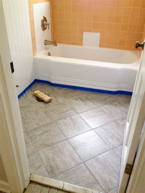 Peel And Stick Tile In Bathroom by Updating An Bathroom With Graoutable Peel And Stick