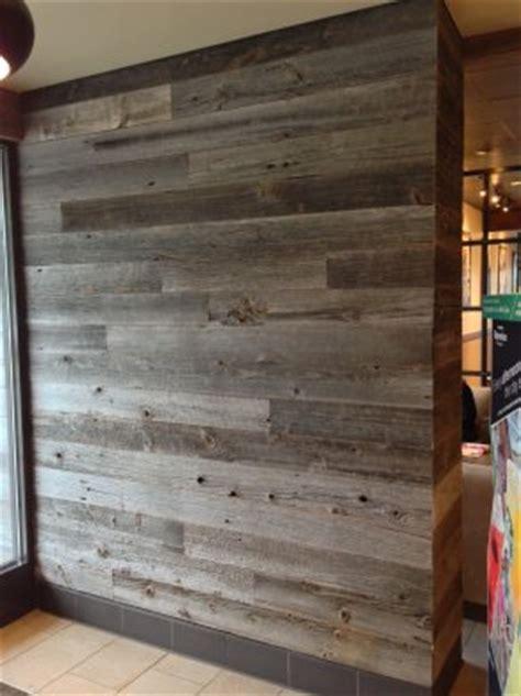 fabriquer un comptoir de cuisine en bois starbucks reclaimed wood flooring paneling and furniture