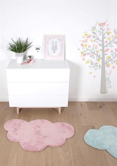 hello chambre bébé tapis nuage vieux pour chambre bébé fillepar lilipinso