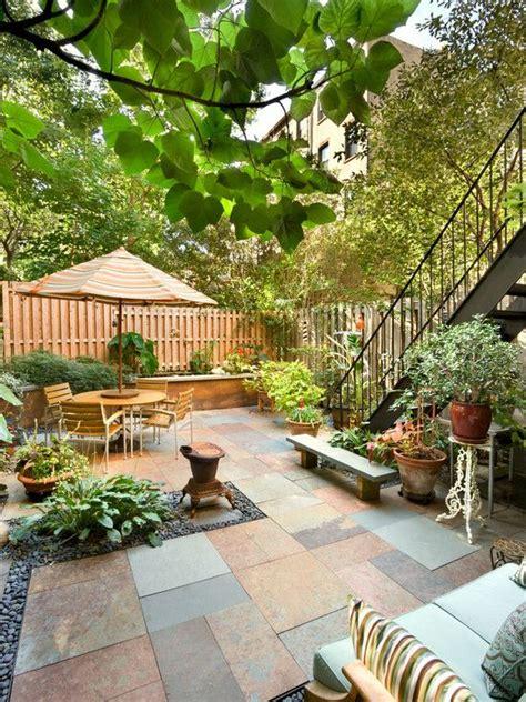 Nyc Backyard by Small Backyard Patio Garden In The City By Tobin