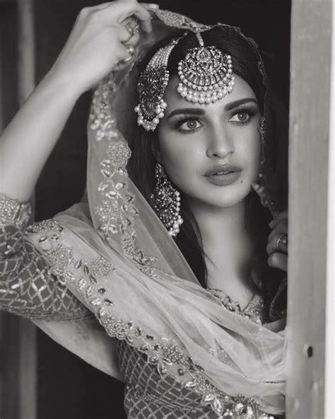 Himanshi Khurana's Most Dazzling Desi Looks That Spell Hotness