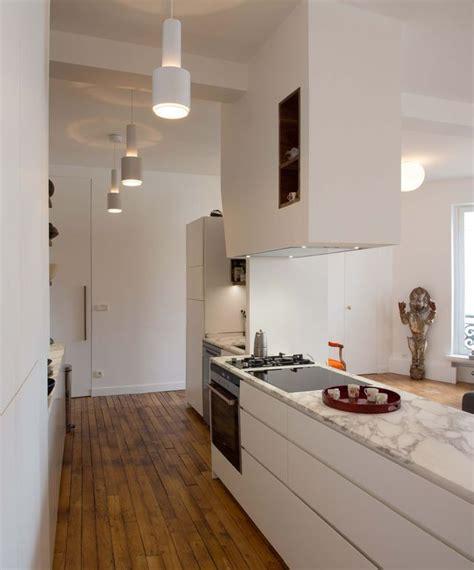 plan de travail cuisine blanc laqué idée relooking cuisine plan de travail marbre et meuble